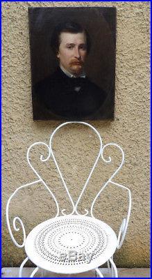 BEAU TABLEAU XIXe. PORTRAIT OU AUTOPORTRAIT D'HOMME ÉLÉGAMMENT HABILLÉ. V. D