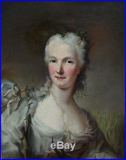 Portrait de Femme Ecole Française du XVIIIème siècle huile sur toile
